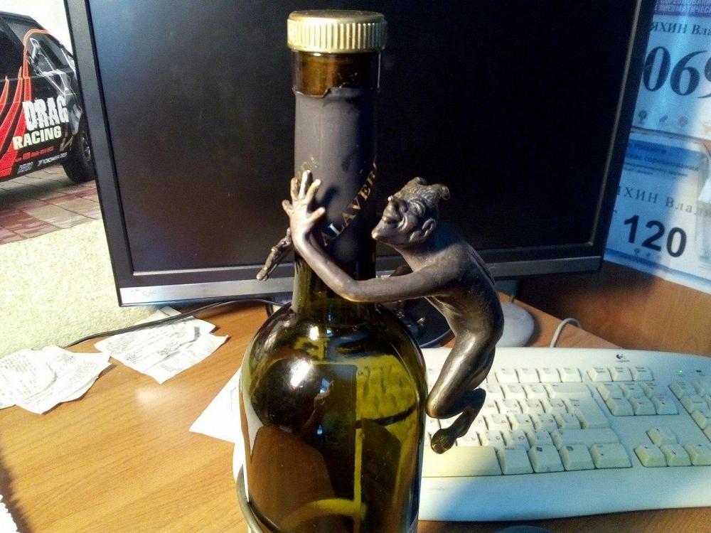 черти в бутылке картинки