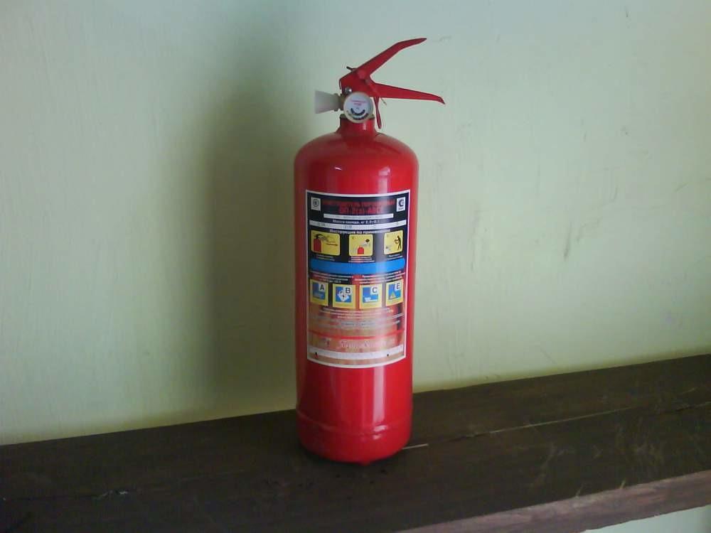когда в помещении нужен огнетушитель женские